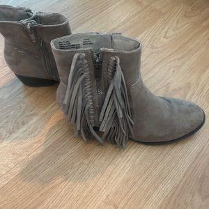 Ankle fringe boots